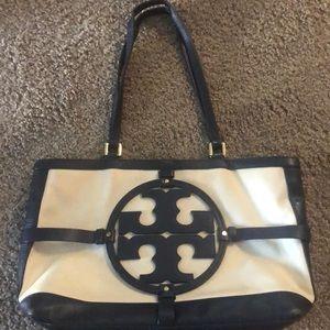Cute purse Tory Burch